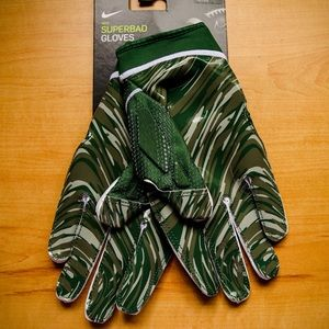 Nike Superbad 4.5 Football NFL Wide Receiver Green Gloves PGF873 741 Size XL.